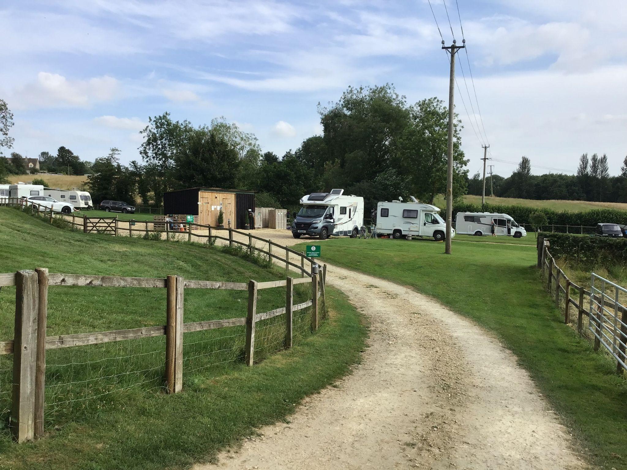 Ashsping-Caravan-Site-Cotswolds